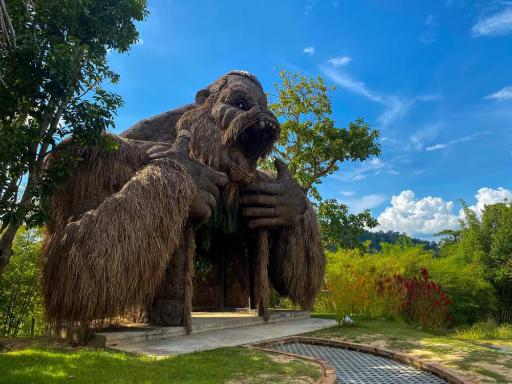 สวนคิงคอง จ.กระบี่ (ภาพ : เพจ สมาคมธุรกิจการท่องเที่ยวจังหวัดกระบี่ Krabi Tourism Association)