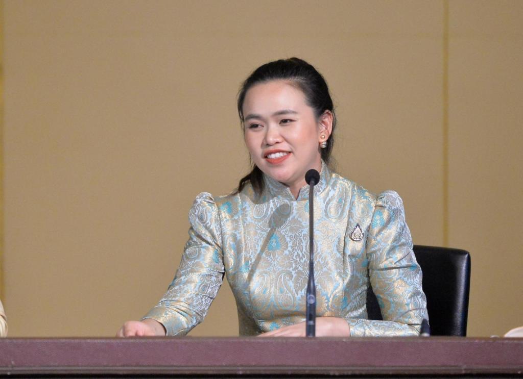 """ครม.รับทราบผลรายงานภาวะเศรษฐกิจไทย """"คลัง"""" คาดจีดีพีปี' 64 ขยายตัวร้อยละ 3.6"""