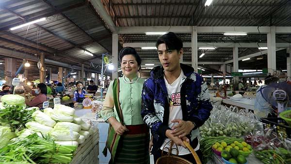 """""""เขต ธาราเขต"""" ชวนเที่ยวเมืองมรดกโลก """"สุโขทัย"""" พิสูจน์เมนูเด็ด """"ข้าวโค้ง"""" อาหารพื้นบ้านชาวไทยพวน"""