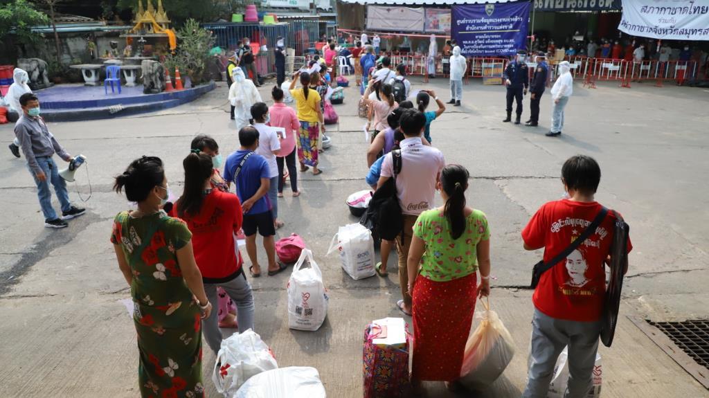 ส่ง 292 แรงงานเมียนม่าหายจากโควิด กลับตลาดกลางกุ้งสมุทรสาคร คาดเปิดได้ปลายเดือนนี้