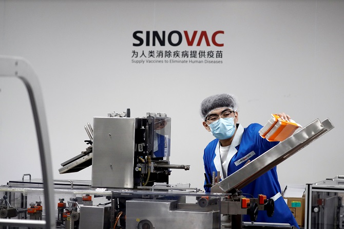 """ไทยสะดุ้งด้วย! ลือสะพัดผลวิจัยพบวัคซีนจีน """"ซิโนวัค"""" มีประสิทธิภาพไม่ถึง 60%"""