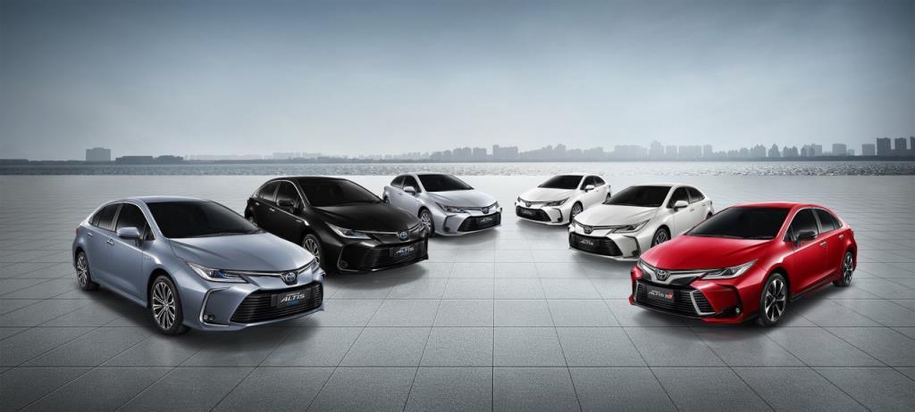 โตโยต้า ปรับเพิ่มอุปกรณ์อำนวยความสะดวกครบครันให้กับอัลติสทั้งรุ่น 1.8 GR-SPORT และรุ่น Hybrid Premium