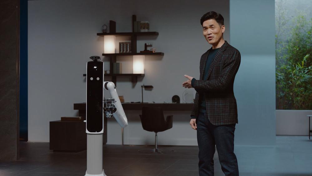 ซัมซุง ส่งหุ่นยนต์ AI เป็นผู้ช่วย พร้อมดูแล และยกของ
