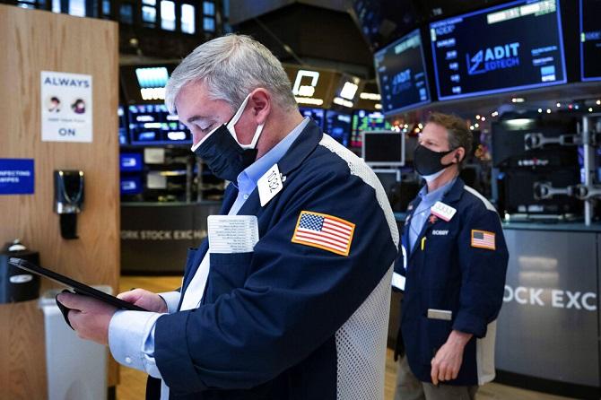 น้ำมันขึ้น,ทองลง หุ้นสหรัฐฯบวกแคบ คาดเศรษฐกิจจะฟื้นตัวในปีนี้