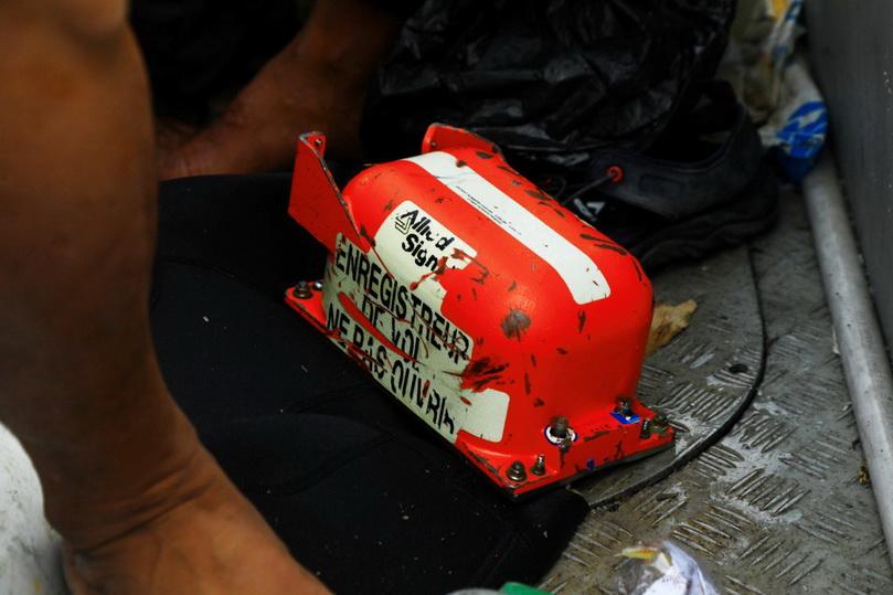 In Pics: อิเหนากู้ 'กล่องดำ' ใบแรกศรีวิจายาแอร์ได้แล้ว สหรัฐฯ เตรียมส่งผู้เชี่ยวชาญร่วมตรวจสอบ