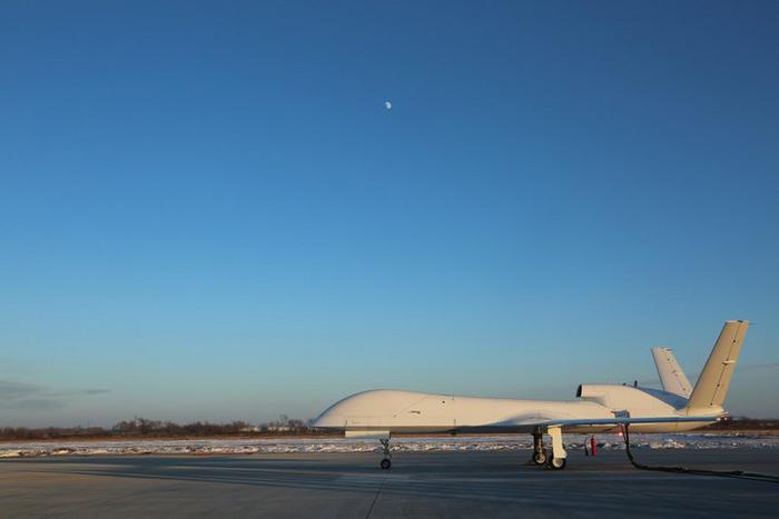 ภาพอากาศยานไร้คนขับ ดับเบิลยูเจ-700 ที่สนามบินทางตะวันออกเฉียงเหนือของจีน วันที่ 11 ม.ค. 2564 จากบริษัทวิทยาศาสตร์และเทคโนโลยีการบินและอวกาศแห่งประเทศจีน