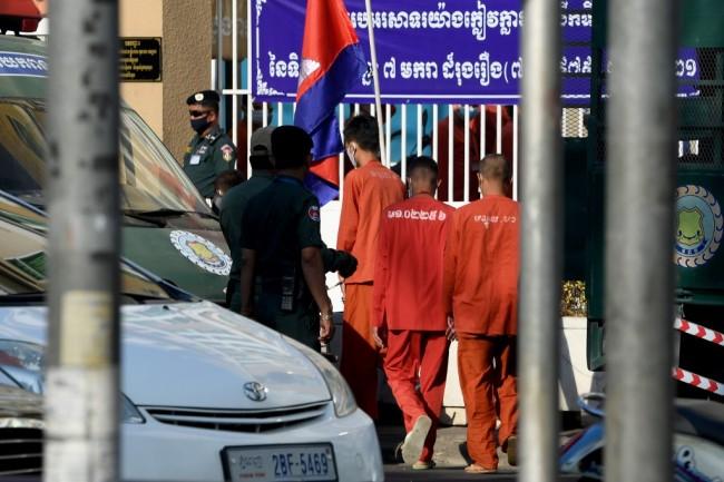 ศาลกัมพูชาเรียกตัวผู้สนับสนุนฝ่ายค้านกว่า 60 คนเข้าไต่สวนคดีกบฎ