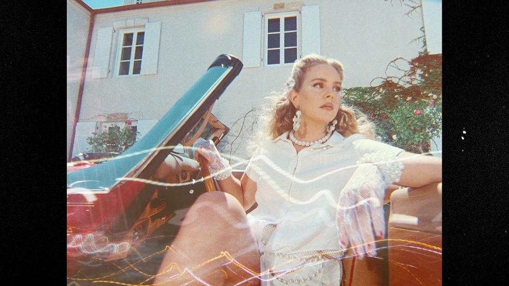 """""""ลานา เดล เรย์"""" ปล่อย MV สุดสะพรึง ในเพลงใหม่ """"Chemtrails Over The Country Club"""""""