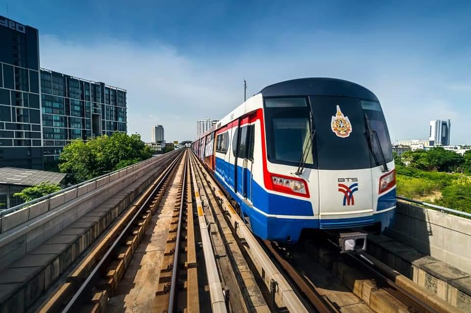 คมนาคมงัดข้อ กทม. วอนชะลอขึ้นค่าโดยสารรถไฟฟ้าบีทีเอส สูงสุด 104 บาทเดือนหน้า