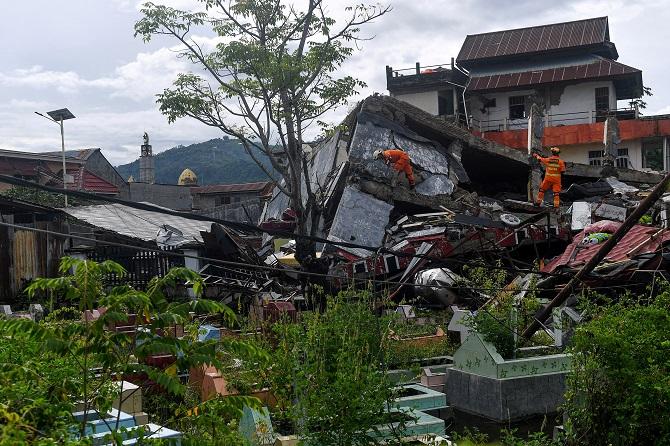 ยอดตายแผ่นดินไหวอินโดฯพุ่ง56ศพ พบแค่ต้นปีเจอเหตุการณ์เลวร้ายเป็นชุด