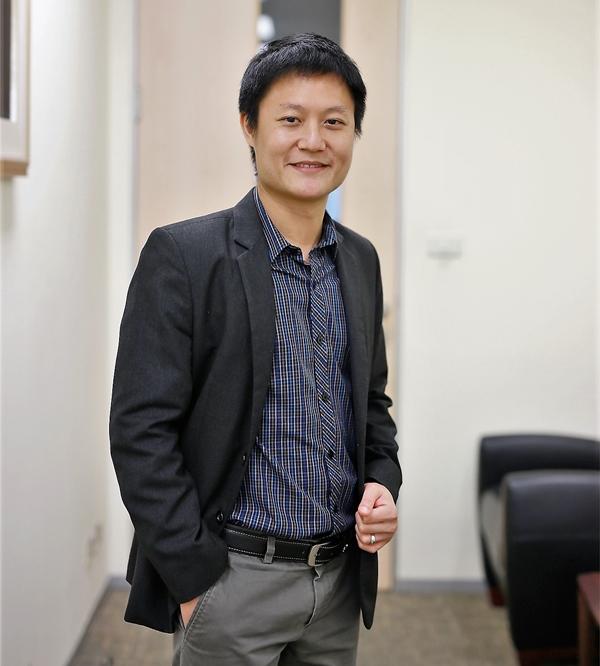 ณัฐชาต เมฆมาสิน ผู้ช่วยกรรมการผู้จัดการ ฝ่ายวิเคราะห์หลักทรัพย์ บริษัทหลักทรัพย์ ทรีนีตี้ จำกัด