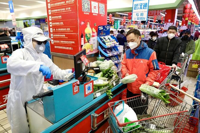 ปีที่แล้วศก.จีนเติบโตชะลอตัวสุดรอบ4ทศวรรษ เซ่นพิษโควิด-19
