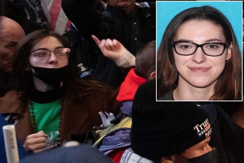 แสบ! สาวคลั่งทรัมป์ได้ทีบุกรัฐสภา ขโมยแลปท็อป 'ปธ.สภาผู้แทนราษฎร' หวังเอาไปขายให้ 'รัสเซีย'