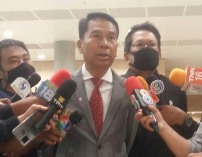 """""""สุทิน"""" ยัน ส.ส.เพื่อไทย มีสิทธิ์อภิปรายไม่ไว้วางใจเท่ากัน"""