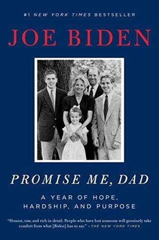 หนังสือเล่มโด่งดังของโจเรื่อง Promise Me, Dad: A Year of Hope, Hardship, And Purpose หนังสือขายดีอันดับหนึ่งของนิวยอร์กไทมส์