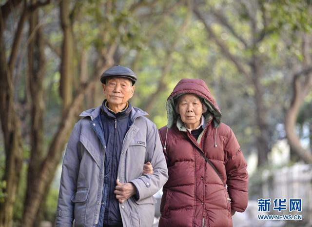 คู่รักชาวจีนศึกษา 'สัตว์เลื้อยคลาน-ครึ่งบกครึ่งน้ำ' มานานกว่า 60 ปี