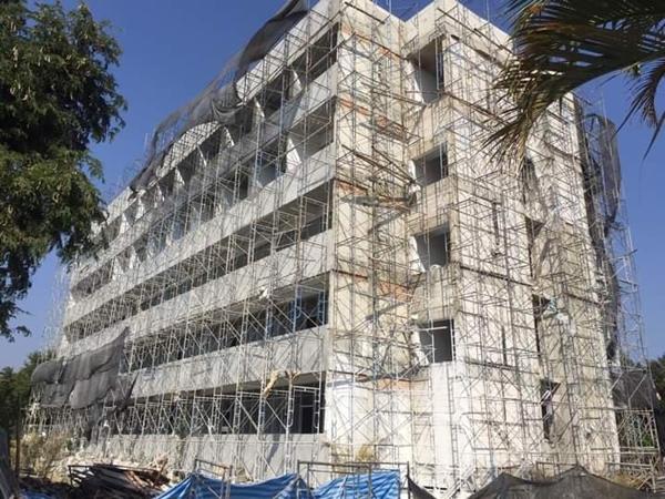 โครงการของโรงพยาบาลที่ต้องหยุดการก่อสร้างเนื่องจากไม่สามารถเบิกจ่ายงบได้ เพราะถูกเรียกงบคืนจากคำสั่ง ว.318