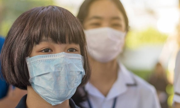 """แพทย์จุฬาฯ ไขข้อข้องใจ """"หน้ากากอนามัย""""  แบบไหนปลอดภัยจากโควิด-19"""