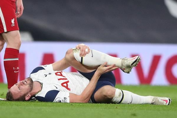 """""""มูรินโญ"""" แย้ม """"เคน"""" ฝืนไม่ไหว เจ็บข้อเท้า 2 ข้าง อาจพัก 2-3 สัปดาห์"""