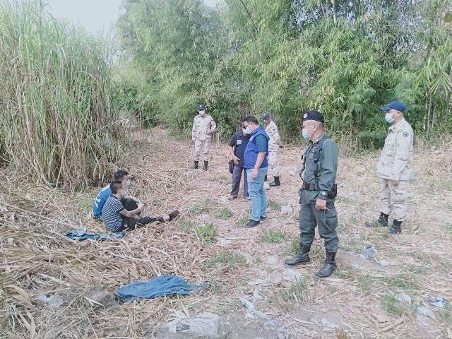 รวบสองหนุ่มชาวจีนหนีตายแก๊งคอลเซ็นเตอร์บ่อนเมียวดีทำร้ายข้ามน้ำเมยเข้าไทย