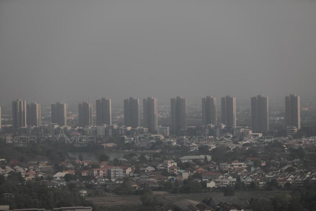 กทม. ฝุ่นพิษ PM 2.5 เกินค่ามาตรฐาน 17 พื้นที่ งดกิจกรรมกลางแจ้ง เลี่ยงพื้นที่เสี่ยง