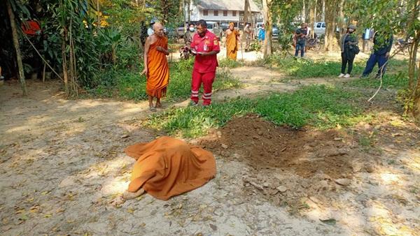 ช้างป่าแก่งกระจานเหยียบลุงเสียชีวิตข้างกุฎิพระ วัดอานันท์ อ.หัวหิน