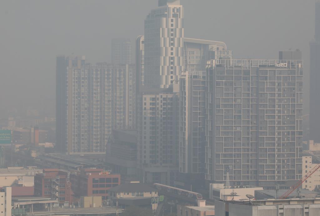 ขมุกขมัว  6 พื้นที่ กทม.เผยค่าฝุ่น PM 2.5 เกินมาตรฐาน
