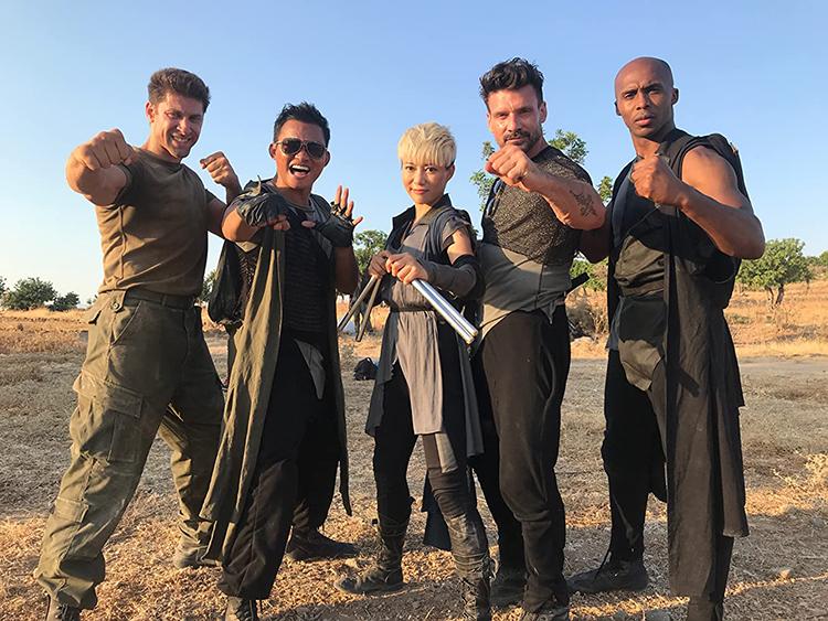 รีวิวหนังแอคชั่น  Jiu Jitsu โคตรคนชนเอเลี่ยน ที่จะเผชิญหน้ากับสงครามการเมือง