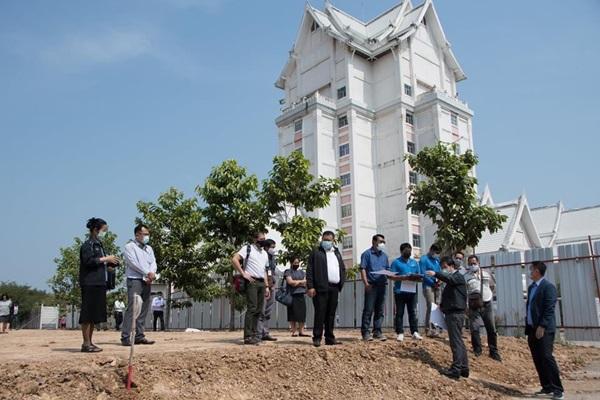 กรมศิลป์กราบบังคมทูลเชิญเสด็จทรงวางศิลาฤกษ์ก่อสร้างพิพิธภัณฑ์พระบรมศพ รัชกาลที่ ๙