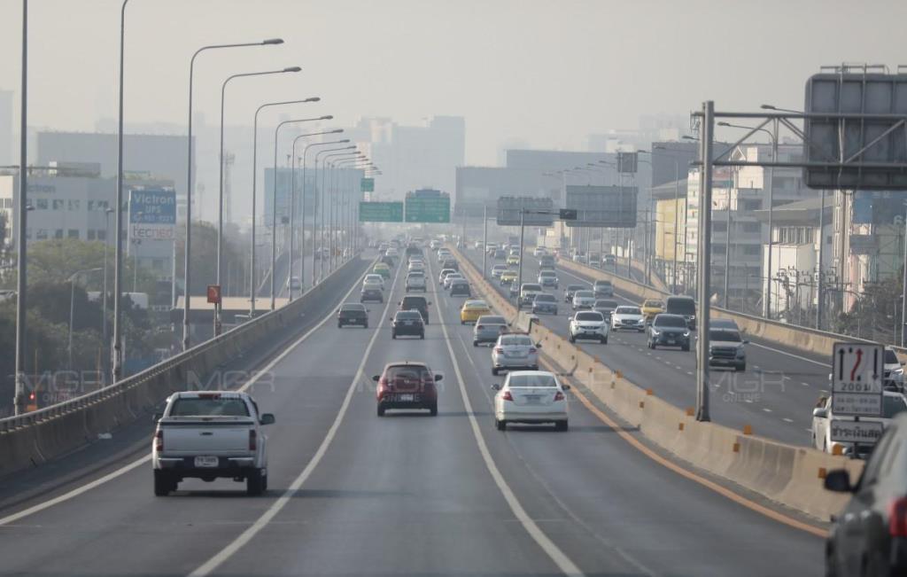 กทม.ค่าฝุ่นพิษ PM 2.5 เกินมาตรฐาน 60 พื้นที่ เริ่มมีผลกระทบต่อสุขภาพ แค่มีแนวโน้มลดลง