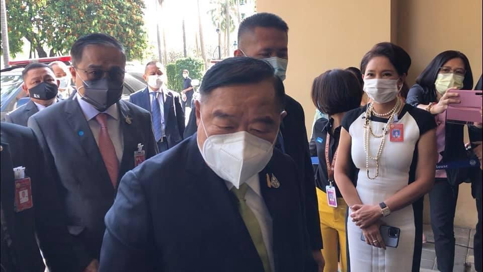 """""""บิ๊กป้อม"""" ย้ำทำตามกฎหมาย  หลังเมียนมาร่วมชุมนุมหน้าสถานทูตฯไม่ใส่มาสก์"""