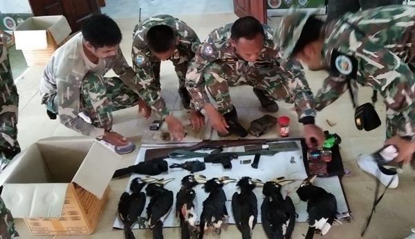 รวบทหารยศ พ.จ.อ.กลางป่าไทรโยค พร้อมของกลางนกเงือก-ยาบ้า-กัญชา อาวุธปืนเครื่องกระสุน