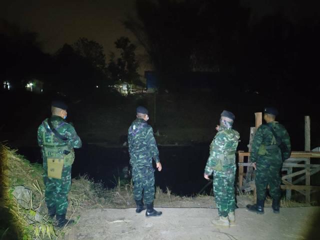 จับอีกชุดใหญ่!แรงงานพม่าหนีภัยโควิดลอบข้ามน้ำเมยเดินเท้ารอนแรมฝ่าป่าแม่สอดเข้าเมือง