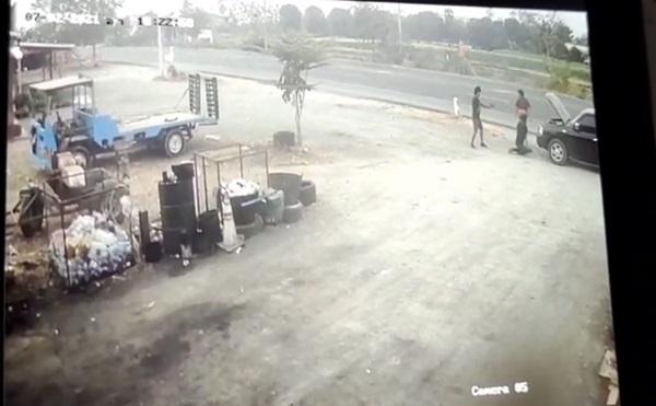 เปิดภาพ..ล่ามือปืนโหดใช้อุบายรถเสียเรียกเจ้าของอู่มาดูชักอาวุธยิงดับคาที่