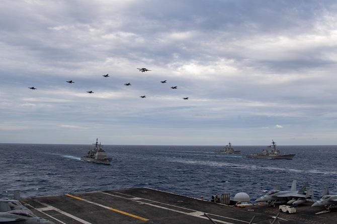 ยั่วโมโหปักกิ่งไม่หยุด!2กองเรือบรรทุกเครื่องบินสหรัฐฯซ้อมรบในทะเลจีนใต้