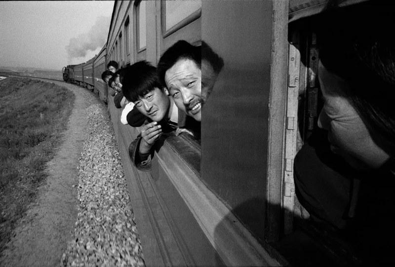 ผลงานภาพถ่ายสุดคลาสสิก ขบวนรถไฟสายทงเหลียว-จี้หนิง ปี 1998