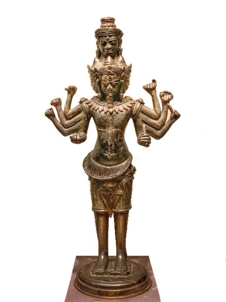 พระสทาศิวะ จัดแสดงที่พิพิธภัณฑสถานแห่งชาติ พระนคร กรุงเทพมหานคร (ภาพ : wikipedia)