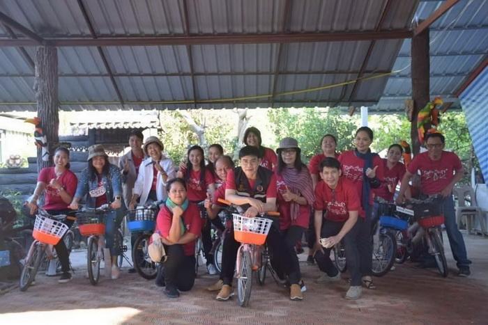 เฮง เฮง ตรุษจีน! ด้วยรักอาชีวะอุบลฯ แจกจักรยานน้องสานฝัน ปั่นสุข เด็กนักเรียนชายขอบ