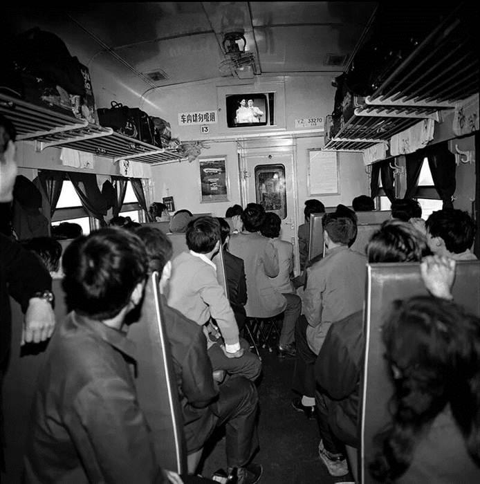ขบวนรถไฟ T18 วิ่งระหว่างเมืองฮาร์บิน และปักกิ่ง ปี 1986 เป็นรถไฟขบวนแรกที่มีโทรทัศน์