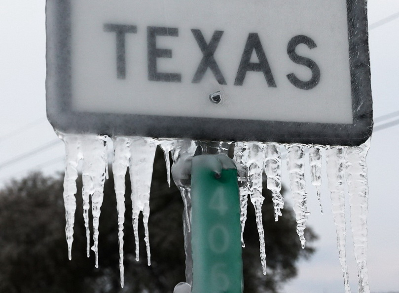 'เทกซัส' กู้โรงไฟฟ้าสำเร็จ แต่ 325,000 ครัวเรือนยัง 'ไฟดับ' ท่ามกลางสภาพอากาศหนาวสุดขั้ว