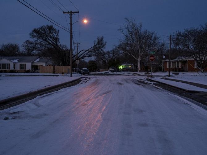 สลด!อากาศหนาวสุดขั้วในสหรัฐฯ ปลิดชีพหนูน้อยเล่นหิมะครั้งแรกในชีวิต-คนชราแข็งตายคาเก้าอี้