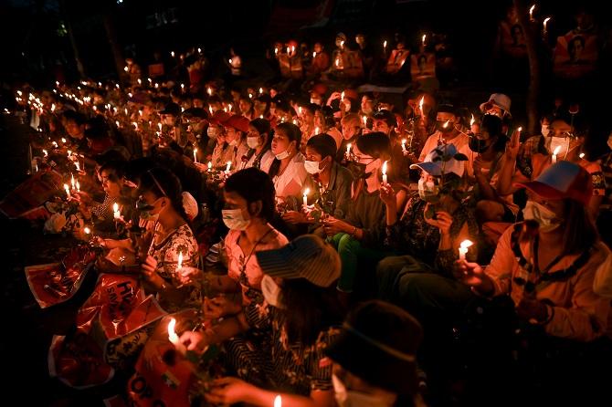 เมินคำขู่เสี่ยงชีวิต!ฝ่านค้านพม่าเรียกร้องผู้คนผละงาน เดินหน้าชุมนุมต้านรัฐประหาร