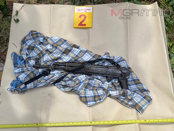 ตร.พบอาวุธปืนสงคราม 1 กระบอกซ่อนในพื้นที่แม่ลาน ตรวจสอบโยงคดียิง อส.ดับที่ผ่านมา