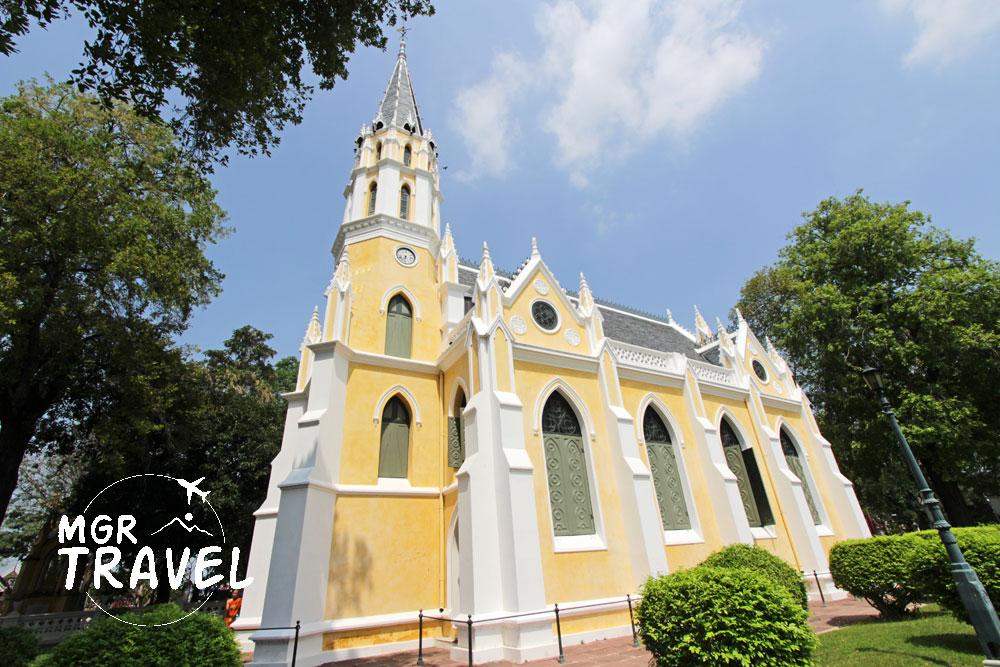 พระอุโบสถของวัดนิเวศธรรมประวัติที่ดูคล้ายโบสถ์ในศาสนาคริสต์
