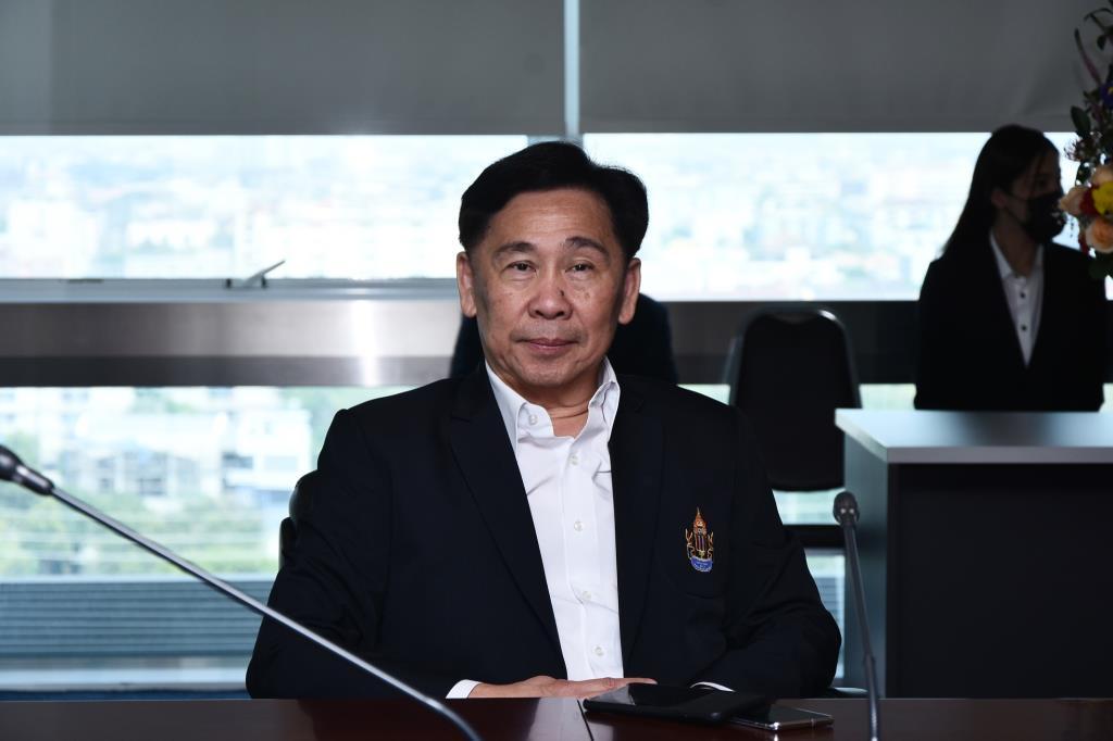 สุชัย พรชัยศักดิ์อุดม นายกสมาคมกีฬาลอนเทนนิสแห่งประเทศไทย ในพระบรมราชูปถัมภ์