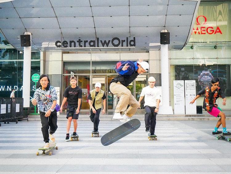 เซ็นทรัลพัฒนาขยาย19 สาขา เล่นฟรี Surf Skate หน้าศูนย์ฯทั่วประเทศ หลังกระแสตอบรับดีเยี่ยม!