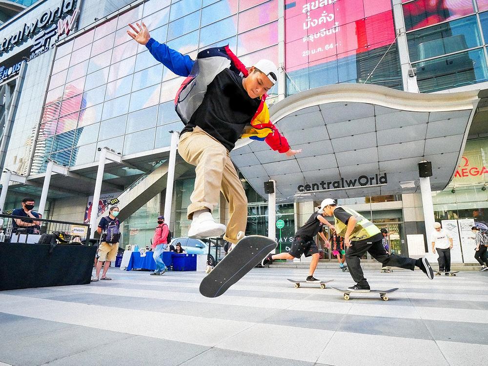 """""""เซ็นทรัล"""" ตอบกระแสเทรนด์ฮิต เปิดลานหน้าห้างทั่วประเทศให้เล่น Surf Skate ฟรี"""