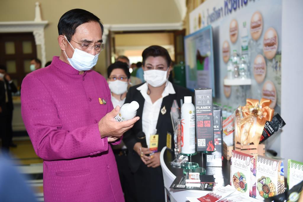 นายกฯ ปลื้ม อว.โชว์ตัวอย่างนวัตกรรมฝีมือคนไทย กำชับ อว. ส่งเสริมโครงการในทุกมหาวิทยาลัย เพื่อการพัฒนาประเทศไทยไปสู่อนาคต