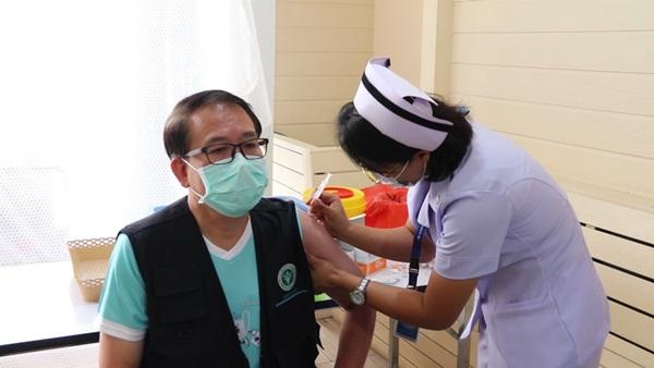 รษก.ประธานสภาฯท่องเที่ยวชลบุรี เชื่อวัคซีนยังไม่ใช่คำตอบสุดท้ายฟื้นฟูเศรษฐกิจ-ท่องเที่ยว