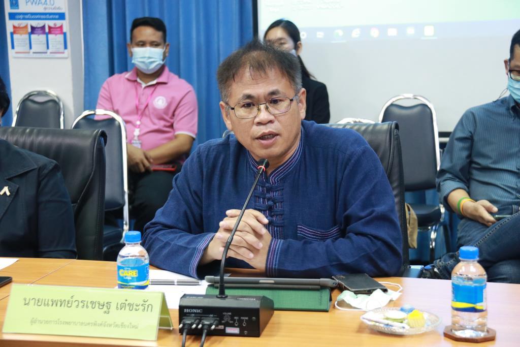 ผอ.รพ.นครพิงค์แจงยิบดรามาลัดคิวฉีดวัคซีนโควิด-19 ให้ VIP-ลือสนั่นสั่งย้ายด่วน สสจ.เชียงใหม่เซ่นพิษปมร้อน